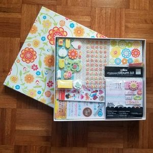 Scrapbook kit w/ clipboard album kit